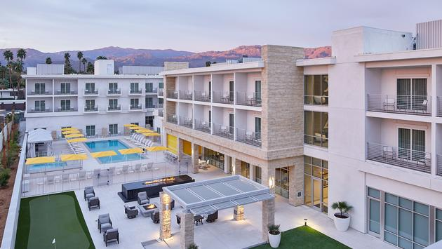 Hotel Paseo Backyard Lawn