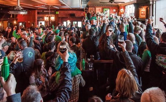 Irish Pub, RiRa, Maine