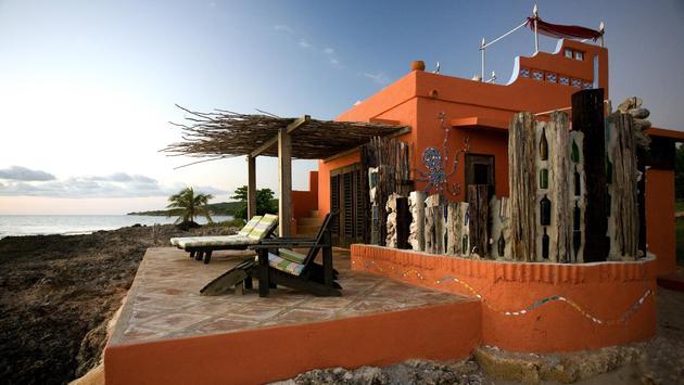El hotel Jakes es maravilloso. Un lugar ecléctico en la costa sur de Jamaica.