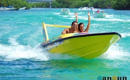 Boating in Quintana Roo