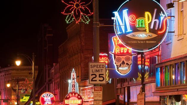 Memphis Beale street at night