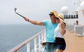 Couple taking a selfie on a cruise ship