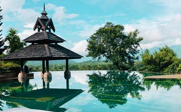 Infinity pool, Anantara Golden Triangle Elephant Camp & Resort