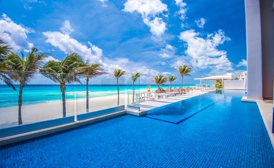 Save Up to 50% + Kids Free at Panama Jack Cancun