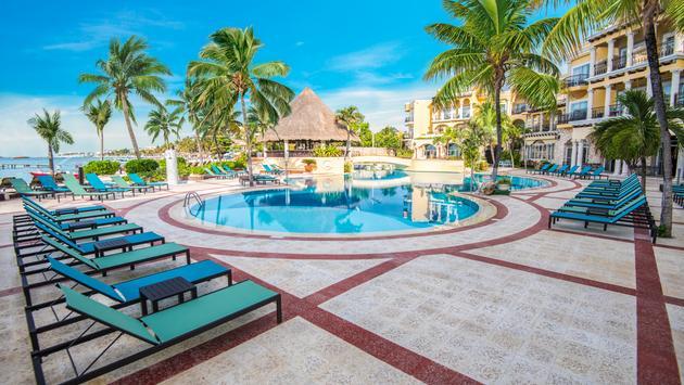 Save Up to 65% + Kids Stay Free at Panama Jack Resorts Playa del Carmen