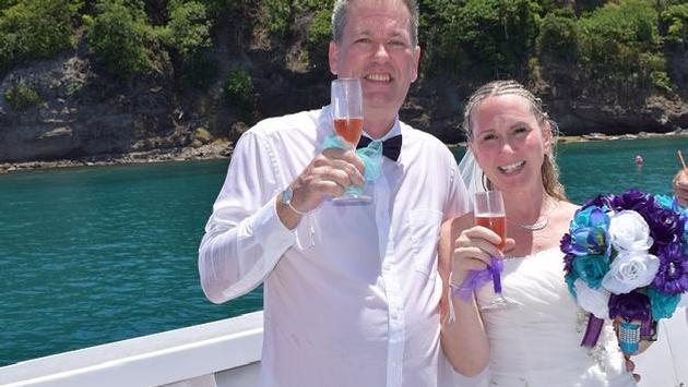 Les nouveaux mariés une fois remontés à la surface
