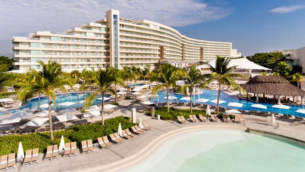 El Hotel Palacio Mundo Imperial ubicado en la Riviera Diamante de Acapulco, Guerrero