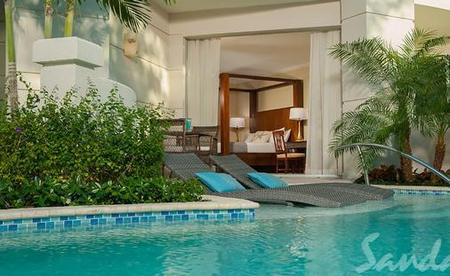 Get $1,000 Instant Credit Now: Windsor Honeymoon Hideaway Swim Up Crystal Lagoon Zen Butler Suite