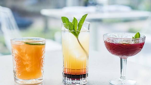 drinks at Caña Restaurant & Lounge