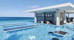 L'hôtel Riu Palace Paradise Island compte deux bars