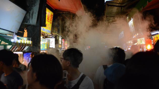 Foule au marché de nuit Shilin (photo: Gabriel Anctil)