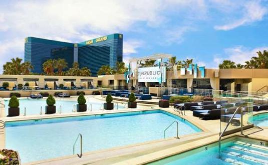 Wet Republic Ultra Pool at MGM Grand