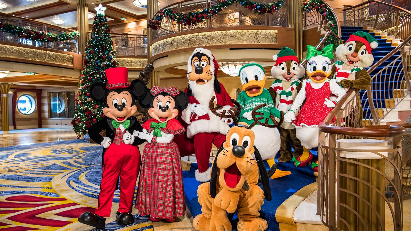 All The Ways You Can Celebrate the Holidays on a Disney Cruise