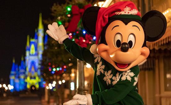 Holiday Mickey Mouse at Disney World