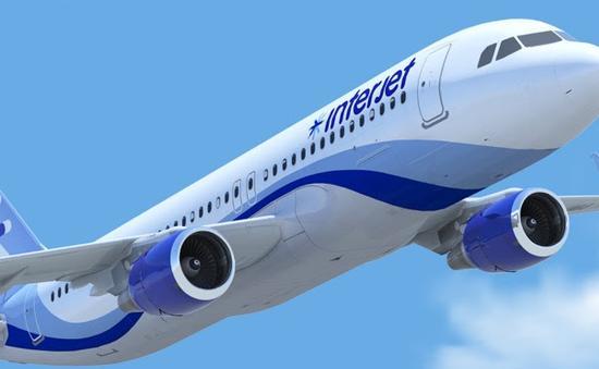Equipo de Interjet en pleno vuelo