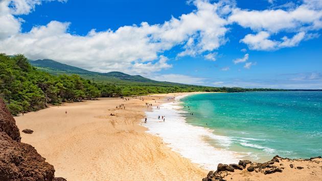 Big Beach at Makena State Park south of Wailea, Maui, Hawaii