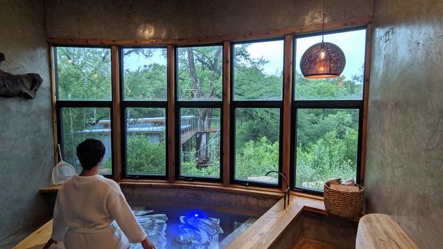 treehouse, bathroom, tubs