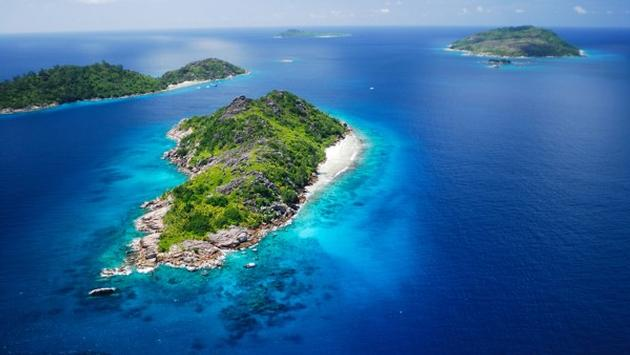 Book early & save off your island-hopping yacht cruise to the Garden of Eden!