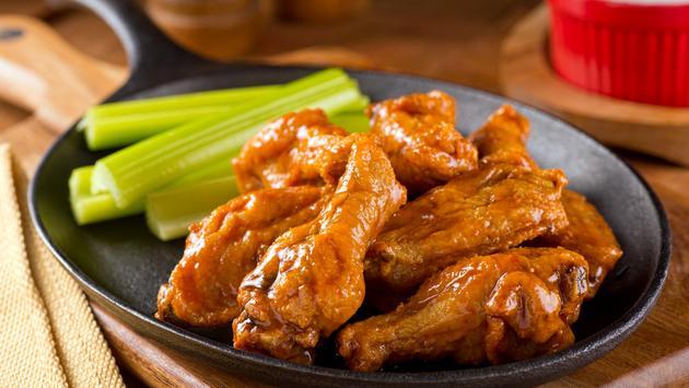 A plate of Buffalo wings