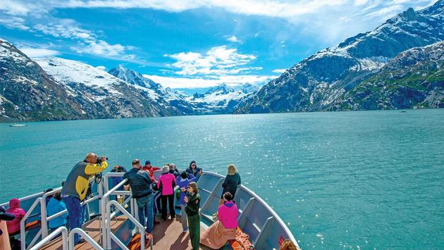 Lindblad Expeditions in Alaska