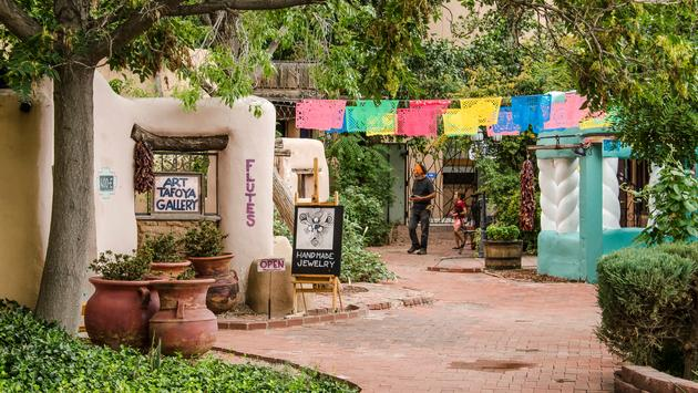 Art galleries and shops line the streets of Old Town Albuquerque.