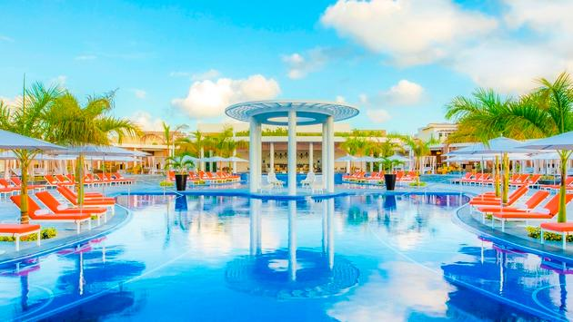 Save up to $250 Per Couple at The Grand at Moon Palace Cancun!