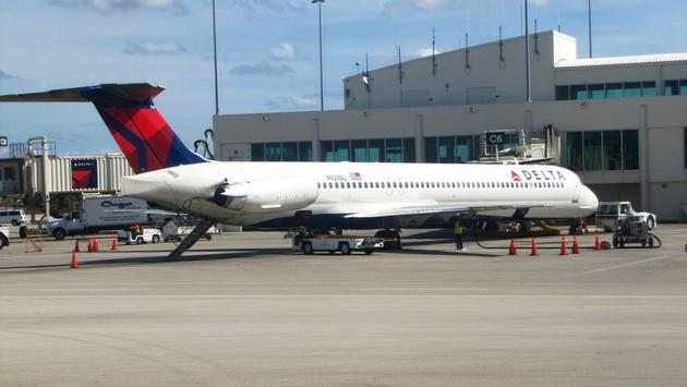 Delta Air Lines aircraft at Southwest Florida International Airport