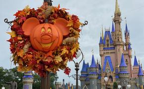 Halloween Mickey Wreath in front of Cinderella's Castle at Magic Kingdom