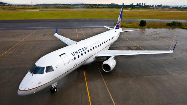 United Embraer E175
