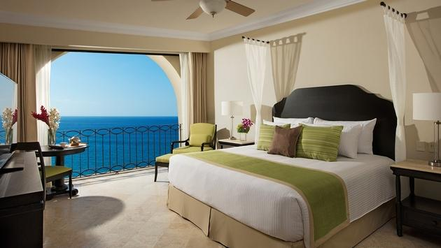 One bedroom Oceanview suite at Dreams Los Cabos Suites Golf Resort & Spa.