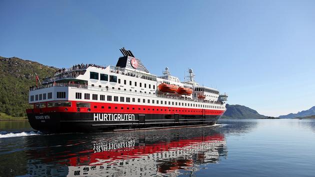 Hurtigruten Richard With