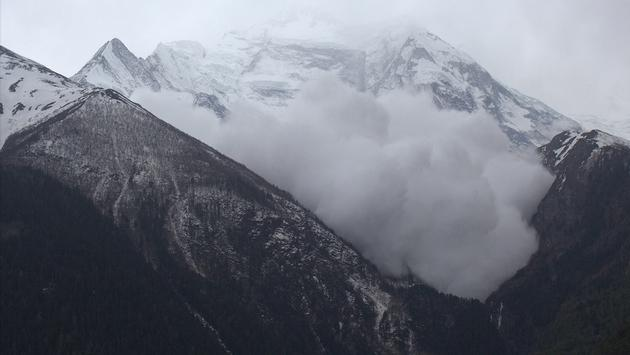 More than 150 People were Evacuated after an Avalanche in Italy