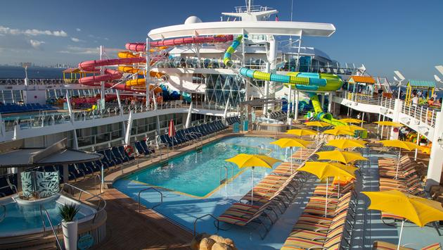 Royal Caribbean Oasis of the Seas new pool deck