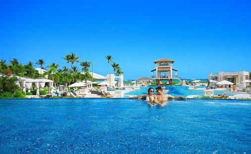 Sandals Emerald Bay Re-Opening February 1st!