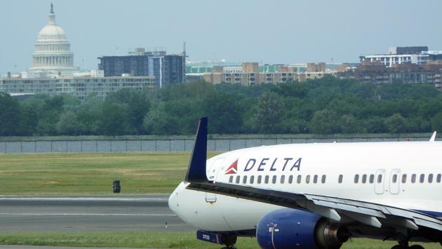 A Delta Air Lines plane taxiing at Ronald Reagan Washington National Airport