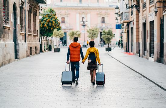 Tourist couple traveling the world.