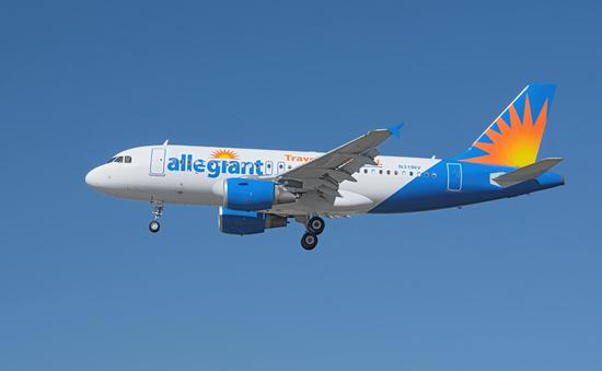 Allegiant Airbus on approach to LAX