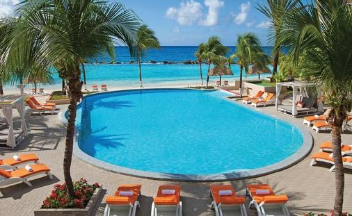 Save up to 44% in Curaçao & Receive $200 in Resort Coupons