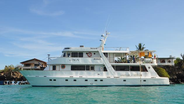 Eden Yacht, G Adventures