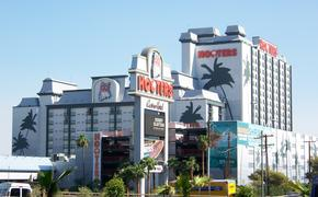 Le Hooters Hotel et Casino deviendra le OYO Hotel