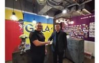 Blue Ribbon Bags and Igola.com agree to partnership