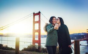 lesbian couple, golden gate bridge, lgbt