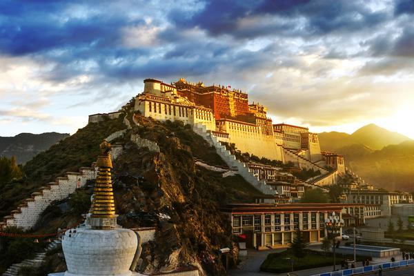 China Closes Tibet to Foreign Visitors For Two Months