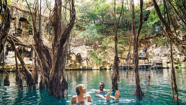 Contiki Thailand tour
