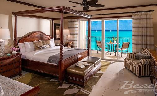 Get 65% Off Rack Rate with the Italian Beachfront Penthouse Two Bedroom Imperial Butler Family Suite