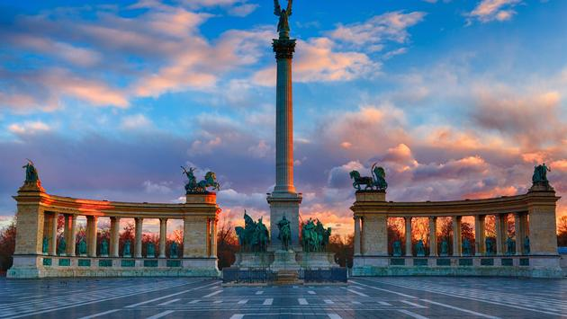 Sunset at Heroes square, Budapest