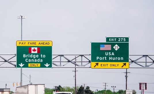 Bridge to Canada sign.