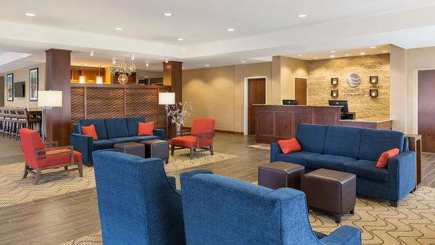 Lobby at Rochester Comfort Inn