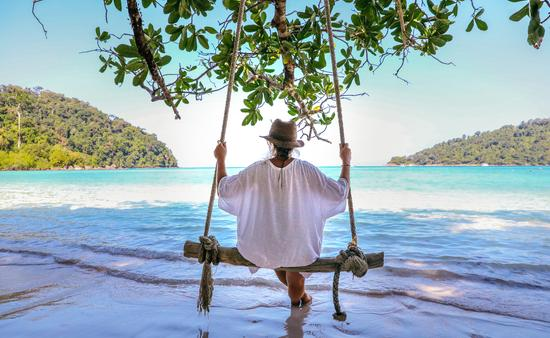 Adventure cruises in Thailand take travelers to exotic beaches
