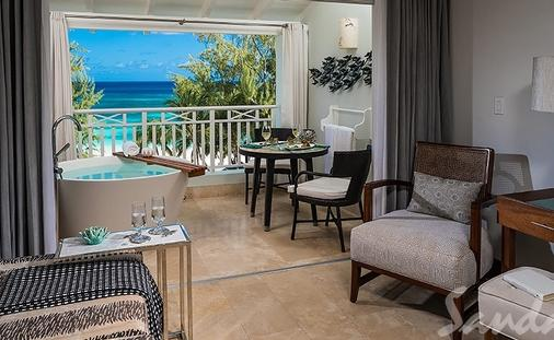 Up to $1,000 Instand Credit: Beachfront Penthouse Club Level Suite with Balcony Tranquility Soaking Tub